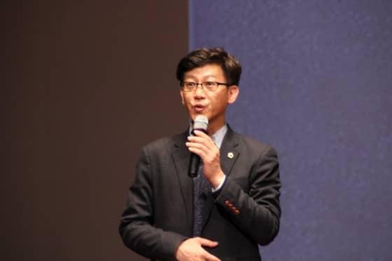 앨범제작 감독을 맡은 국중범 도의원